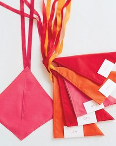 Keepsake Kites  For a parting gift idea that will really take off, try these handmade kites. Have your guests fly theirs in a spectacular airborne display! (Can you say Instagram opportunity?)