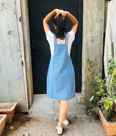 Discover recipes, home ideas, style inspiration and other ideas to try. Casual Frocks, Casual Dress Outfits, Summer Dress Outfits, Teen Fashion Outfits, Denim Dungaree Dress, Dungarees Outfits, Denim Dungarees, Frock Fashion, Skirt Fashion