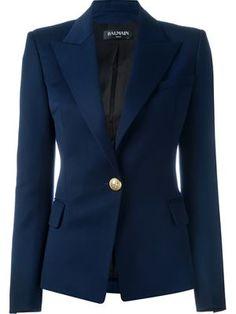 Un imprescindible de tu fondo de armario⌛️  Balmain blazer ajustada  #blazer #mujer
