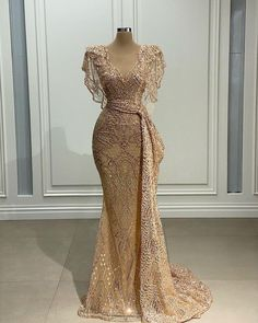 Stunning Dresses, Beautiful Gowns, Pretty Dresses, Gala Dresses, Event Dresses, Formal Dresses, Lace Gown Styles, Fashion Dresses, Dress Outfits