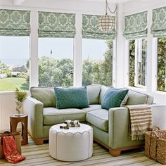 reading nook, coastal style