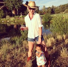 Katherine Heigl and Daughter Adalaide Spend a Sunny Day Outdoors (PHOTO)