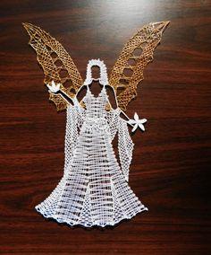 <span>Víla 2 | <a… String Crafts, String Art, Doily Art, Romanian Lace, Bobbin Lacemaking, Types Of Lace, Bobbin Lace Patterns, Crochet Angels, Lace Heart