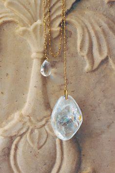 Les pierres colorées de Pippa Small s'exposent chez White Bird http://www.vogue.fr/joaillerie/a-voir/diaporama/les-pierres-colorees-de-pippa-small-bijoux-exposition-white-bird-paris/13905/image/773167#!8