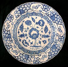 Footed bowl   Iznik, Turkey, first half 169th century   Tin-enameled earthenware   The Metropolitan Museum of Art, New York