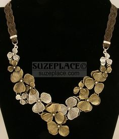 New Fossil Leather Braided Brass & Silver Tones Flower & Crystal Necklace Start