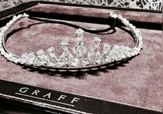 Images and videos of tiaras Forever Young, Rose Gold Aesthetic, Piercing, Grunge, Glitz And Glam, Jenny Humphrey, Style Vintage, Gossip Girl, Girly Things