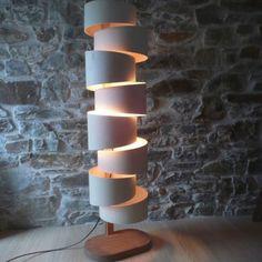 Die Designer Stehlampen oder von manchen auch Leuchtobjekte genannt, verkörpern einen künstlerischen und einzigartigen Anspruch, der mit rein Funktionellem