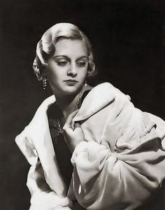 http://fantastic-dl.blogspot.co.uk/2009/04/finger-wave-1920s-30s-hair-doo.html fingerwaves and fancyfree