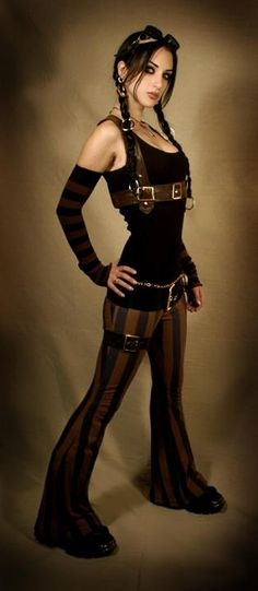 I *LOVE* these pants ! by Kato #kato #steampunk #steampunk_couture Would be great for a circus steam.