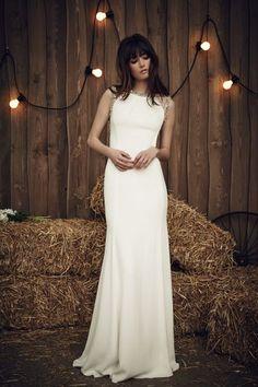Vestidos de noiva minimalistas 2017: simplicidade é o segredo da elegância! Image: 0