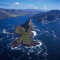 Faroe Islands & Lake Sorvagsvatn