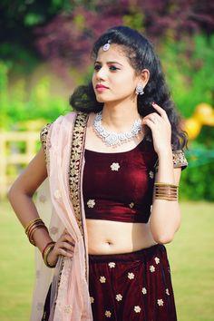 #tejaswinishirke Beautiful Bollywood Actress, Most Beautiful Indian Actress, Beautiful Actresses, Indian Navel, Stylish Girls Photos, Cute Girl Photo, Indian Beauty Saree, Indian Celebrities, India Beauty