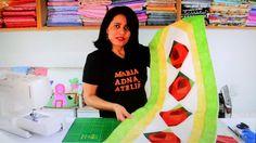 Caminho/trilho de mesa em patchwork Flores II - Faça esta peça no Maria Adna Ateliê - Endereço: Av. das Carinas, 739, Moema, São Paulo - Fones: 11-5042-0145 e 11-99672-8865 (WhatsApp), Email: ama.aulasevendas@gmail.com. Estacionamento próprio. FACEBOOK: https://www.facebook.com/MariaAdnaAtelie