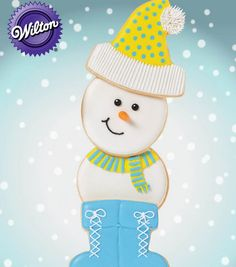 This Snowman Cookie is ADORABLE! Will definitely have to add to our Christmas cookie list! @Wilton Cake Decorating Cake Decorating #wiltoncookieelf