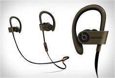HEADPHONE BLUETOOTH UNDFTD X BEATS POWERBEATS 2  Estas duas marcas (UNDFTD X BEATS POWERBEATS 2) se uniram para esta edição especial do popular Headphone Powerbeats 2.