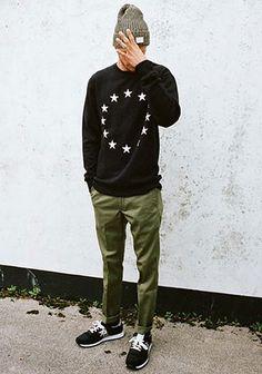 ニットキャップ×セーターでストリートな着こなし(メンズ) | Italy Web