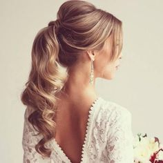 If I were getting married NOW, this would be my hairstyle!