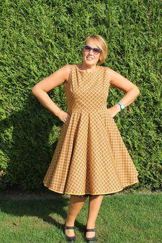 Love love love Marleen's Betty Dress Sew Over It, Dress Making Patterns, Weekend Style, Dress Sewing, Dressmaking, Dress Skirt, Sewing Projects, Sewing Patterns, Fancy
