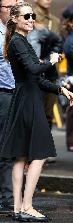 вопрос 10: Джоли оставляет впечатление очень счастливой состоявшейся женщины