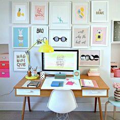 Tá sem idéias para decorar o seu home office? Aposte em quadros que te inspire e que seja a sua cara. #decoração #homeoffice #homedecor #interiores #instadecor #decoration #inspiração #quadros