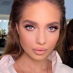 "2,859 curtidas, 20 comentários - Wazhma Umar - Важма Умар🇦🇫 (@wazhmulya) no Instagram: ""Привет мои солнышки❤️❤️❤️ Напоминаю, что в августе действует скидка на индивидуальные занятие и…"" Beauty Skin, Beauty Makeup, Beautiful People, Beautiful Women, Professional Makeup, Have A Great Day, Makeup Inspo, New Look, Wedding Decorations"