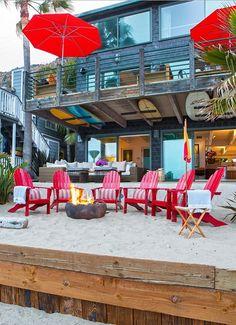 sophisticated surf shack in Malibu by Ryan White Designs. Surf Shack, Beach Shack, Surf House, Beach Cottage Style, Beach House Decor, Coastal Style, Coastal Homes, Coastal Living, Beach Homes