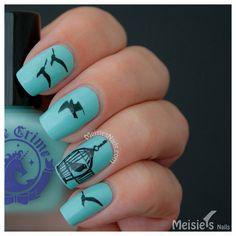 Fly, birdie! Fly! Nail Tattoo #nails #polish #birdnails #nailart #bluenails - bellashoot.com