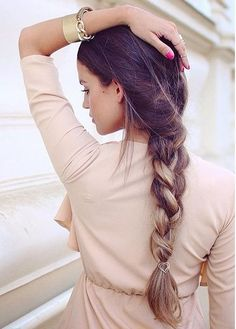 We love how the beautiful has styled her in loose braid for an effortless look 💕 Remember to show us how you like to style your Luxies by tagging in your photos. We're so excited to see! Karin Dragos, Luxy Hair Extensions, Summer Braids, Loose Braids, Beautiful Outfits, Beautiful Clothes, Ombre Hair, Your Photos, Style Me