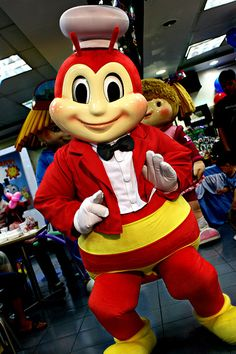 Jollibee Doing a Little Dance Jollibee, Dance Videos, Pinoy, No One Loves Me, Philippines, Ronald Mcdonald, Mickey Mouse, Meals, Filipino