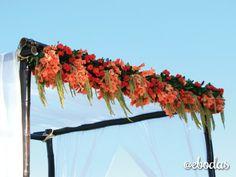 gazebo con gladiolas, rosas y amaranto