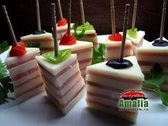 IMG_16444 Party Food Easy Cheap, Sandwich Bar, Keto, School Treats, Food Themes, Food Ideas, Wedding Catering, Caramel Apples, Finger Foods