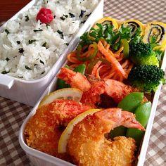おはようございます! 今日のお弁当 ⭐️ 海老フライ ⭐️ ナポリタン ⭐️ 海苔とチーズの卵焼き - 163件のもぐもぐ - 海老フライ弁当 by mayaマミィ