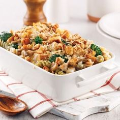 Casserole crémeuse de poulet et brocoli - 5 ingredients 15 minutes Tetrazzini, Orzo, Cheddar, Fried Rice, Pasta Salad, Casserole, Macaroni And Cheese, Chicken Recipes, Cooking Recipes