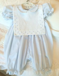 Classic look linen bib or collar. Great for a girl...here