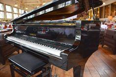 Ambiance Piano-Bar au Café la Jatte à Neuilly-sur-Seine (92200) tous les vendredis, samedis et dimanches soirs. #piano #pianobar #musique #music