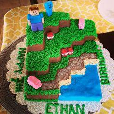 Minecraft cake - Minecraft World Minecraft Party Activities, Minecraft Party Food, Minecraft Birthday Cake, Minecraft Crafts, Bolo Minecraft, Easy Minecraft Cake, Minecraft Skins, Homemade Minecraft Cakes, Creeper Cake
