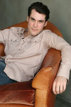 Sean Maher, actor: Dang, I wish he was British so he could play the Doctor. I love him in firefly as Simon Tam.