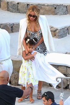 BLUE IVY'S OUTFITS | beyonce-blue-ivy-yachting-dress-buns-ffn