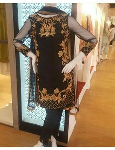 Pakistani velvet shirt with trouser Traditional Trends, So Creative, Dress Images, Indian Wear, Party Wear, Pakistani, Cold Shoulder Dress, Trousers, Tunic Tops