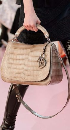 2008287b284 182 Best Christian DIOR Handbags Accessories and Joaillerie images ...