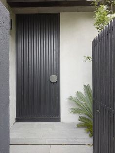 Seacombe Grove House by b e architecture...shut the front door!