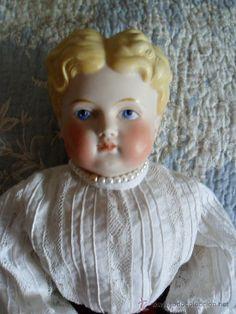 Fantástica muñeca Parian hacia 1890, cuerpo de tejido original, 42 cm