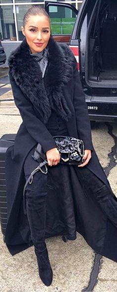 #winter #fashion / Black Coat / Black OTK Boots