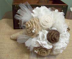 Easy Burlap Flower Bouquet bridesmaids