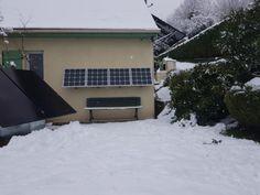 Voici l'installation de Patrick située dans les Hautes-Pyrénées ! 4 panneaux solaires fixés sur sa façade exposée plein sud. Voici, Solar Power Panels