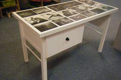 oud bureau geverfd en gepimpt met dierenfoto's
