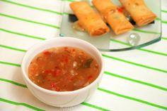 Zelfgemaakte zoete chilisaus Asian Recipes, Ethnic Recipes, Just Eat It, Tapenade, Sweet Chili, Homemade Sauce, Indonesian Food, Food Hacks, Pesto