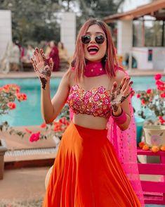 Party Wear Indian Dresses, Designer Party Wear Dresses, Indian Gowns Dresses, Indian Bridal Outfits, Indian Fashion Dresses, Dress Indian Style, Indian Designer Outfits, Fashion Outfits, Simple Lehenga