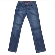 """Banana Republic Sz 6S Limited Edition Skinny Jeans Banana Republic Sz 6S Limited Edition Skinny Jeans🔸EUC🔸size 28 6S🔸 light dark wash🔸 length 38 1/5""""🔸 Inseam 29""""🔸Waist 15"""" across laying flat🔸Cotton/Polyester🔸 No rips stains or tears great condition! Banana Republic Jeans Skinny"""